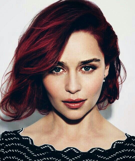 Emilia Clarke as a red head...  3fe95ad6e611