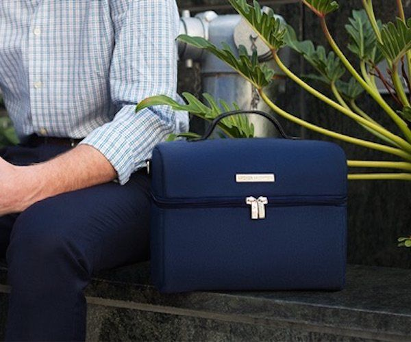 #LunchBags Re-Invented for Work http://thegadgetflow.com/portfolio/lunch-bags-re-invented-for-work/?utm_content=buffere3dd0&utm_medium=pinterest&utm_source=pinterest.com&utm_campaign=buffer With insulated foil interiors! #lunchtimes