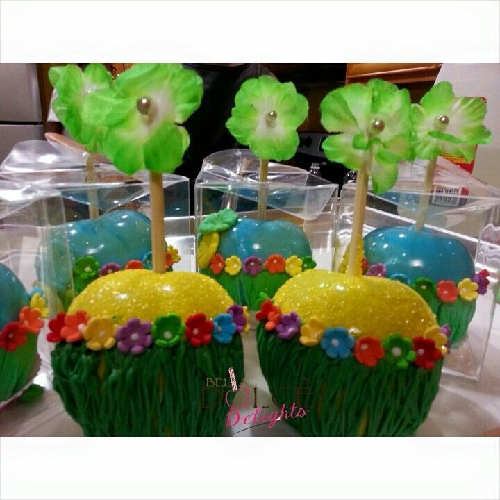 Luau themed candied apples.