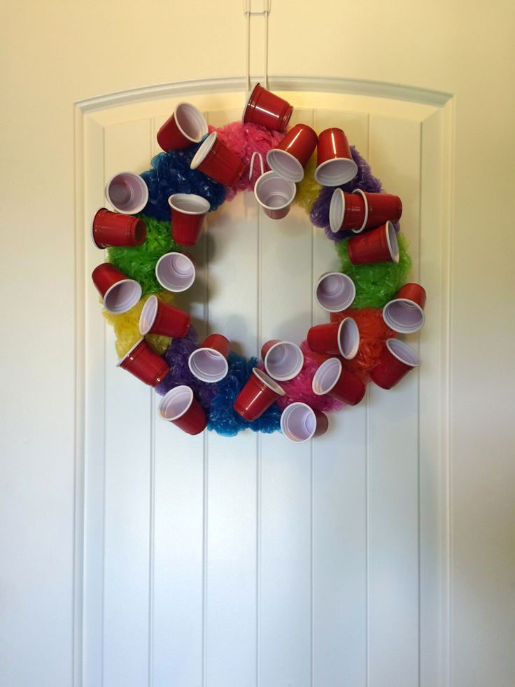 Red Solo Cup Wreath, College Decor, Party Decor, Solo Cup, Party Wreath, Beer Gifts, Party Gift, Fun Wreath, Summer Wreath, Pool Wreath by KellysKrafts12 on Etsy https://www.etsy.com/listing/234439927/red-solo-cup-wreath-college-decor-party