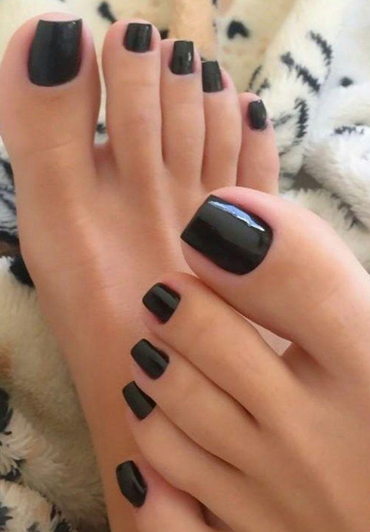 Sexy black piggies