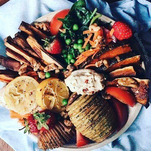 Reposting @salva.delclaux: 🍠 Süßkartoffel-Pommes Zu diesen leckere  @diewuerzerei #diewuerzerei #foodlover #gewürze #spices #food #foodporn #foodsharing #delicious #yumyum #healthy #instafood #getinmybelly #homemade #eat #foodporn #picoftheday #dinner #herzhaft #eatwell #bunt #colorful#salvadordelclaux #vinimport #sweden #chef #instagood #f4f