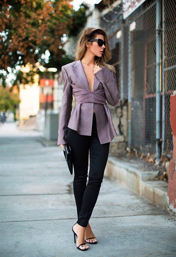 Jennifer Grace(ジェニファー・グレース)   (Sunglasses - Linda Farrow, Jacket - Haider Ackermann, Clutch - Givenchy,  Trousers - Burberry Prorsum, Sandals - Saint Laurent)