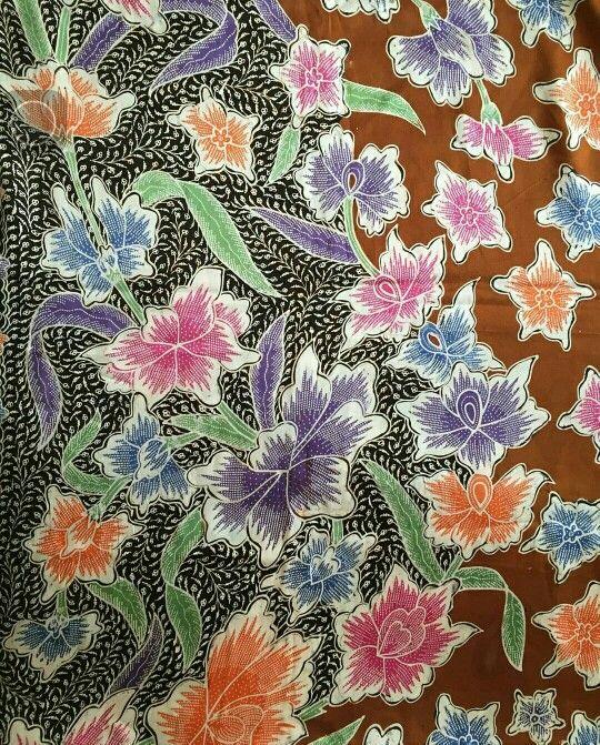 Batik Iwan Tirta: dahlia sakura sebar hokokai