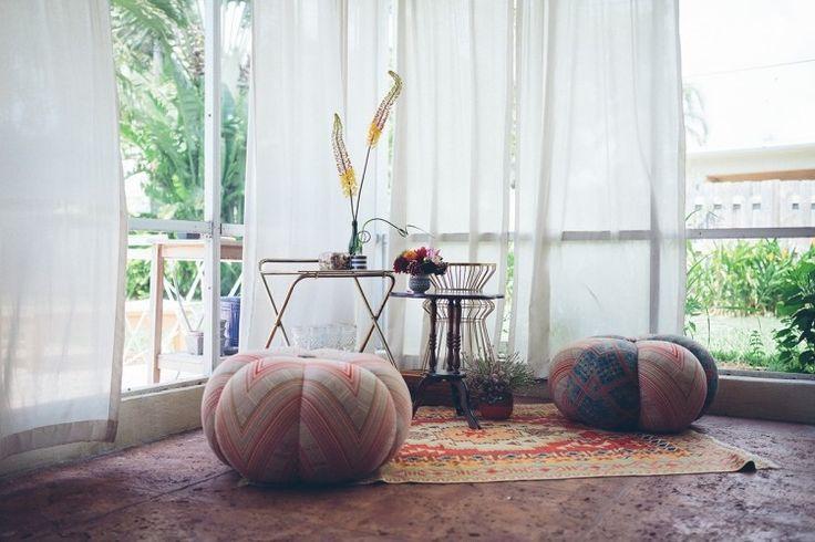 Pouf ottomans, Boho Lounge. http://www.kenisahome.com/blog