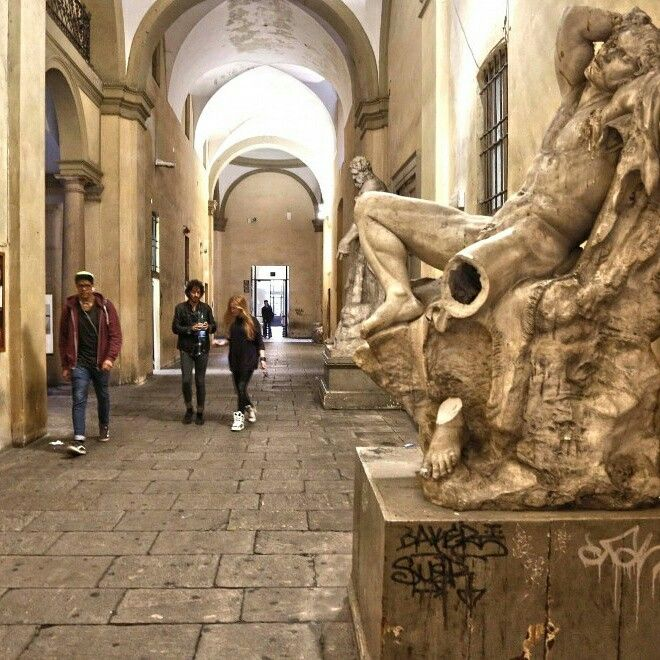 Brera open at night #AccademiaAperta #visual_roots #FondPeruzzo #Weprintheguide