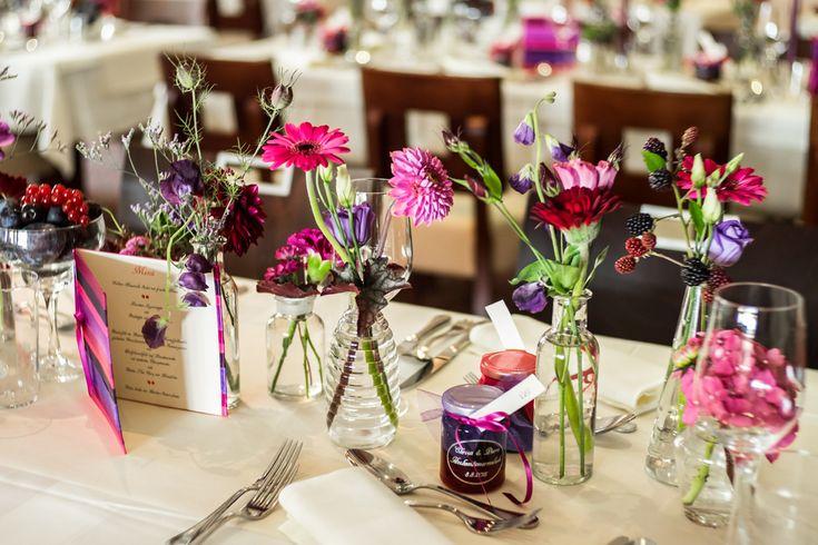 Tischdeko in Berrenfarben Hochzeit
