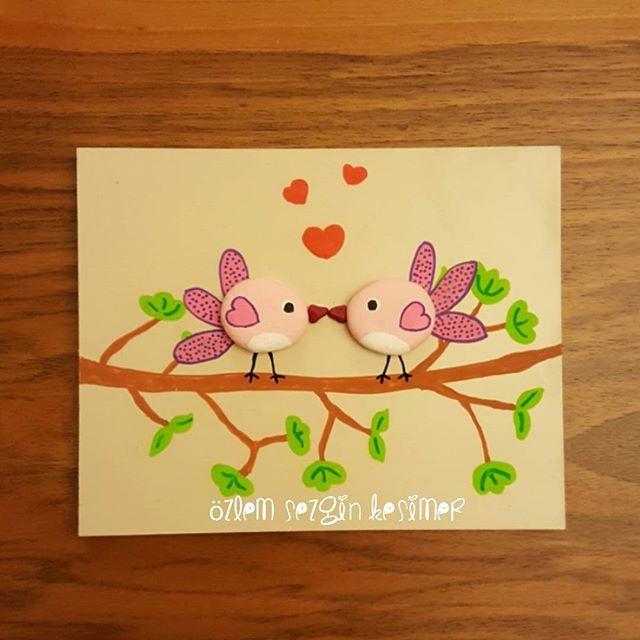 12x15 cm. #tasboyama #tastasarim #stonepainting #stoneart #kuşlar #oiseaux #asiklar #ask #sevgi #mutluluk #dekorasyon #evdekorasyonu #homedecor #elemegi #elsanatları #handmade #hediyelik #kisiyeozelhediye #love #sevimlihayvanlar #birds #satilik