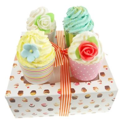 These lovely bath melts are packaged and presented as a box of cupcakes. Made with Cocoa and Shea Butter, each bath melt can be used for up to 4 baths. (Simply break them up before use, or drop one into the bath and remove it after a minute or so and save the rest for later).  The cupcake melts are presented in a lovely cake box and tied with ribbon (with cleare acetate window so that the cakes can be viewed). A lovely pamper gift for new mum to enjoy.