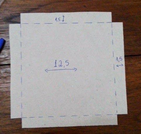 """Atualizando o texto:  Sempre que eu vejo uma nova ideia dessas mesmas caixas, seja um """"recheio"""" diferente ou feita com outros materiais (a..."""