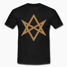 "Herren Shirt: Das unikursale Hexagramm ist seit den Tagen Aleister Crowleys das Symbol für die Lehre des Thelema: dem unbeirrten Folgen des eigenen Wahren Willens. ""Do what thou wilt shall be the whole of the Law!"""