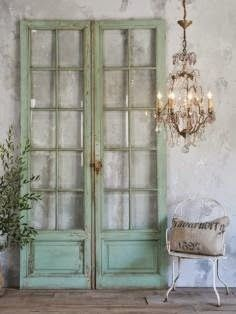 European Interiors - Love the simplicity and elegance.