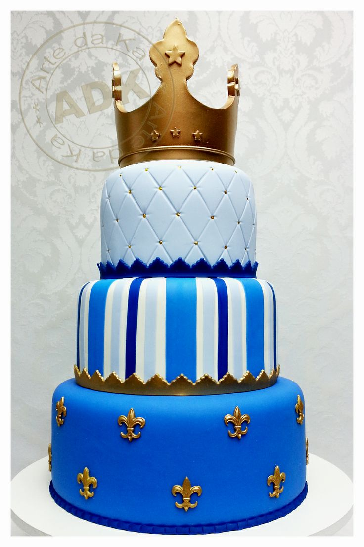 Prince cake.                                             I love her work, Karine Alves creates masterpieces, a shame that they must be cut at all!