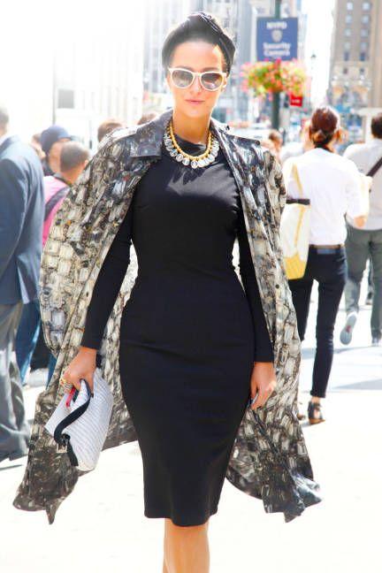 NYFW Street Style   http://www.retroandrich.com/page/1057202#: Fashion Clothing, Black Dresses, Street Style, Fashion Tips, Ny Fashion, New York Fashion, Sophisticated Fashion, Spring Fashion Week, Glamour Fashion