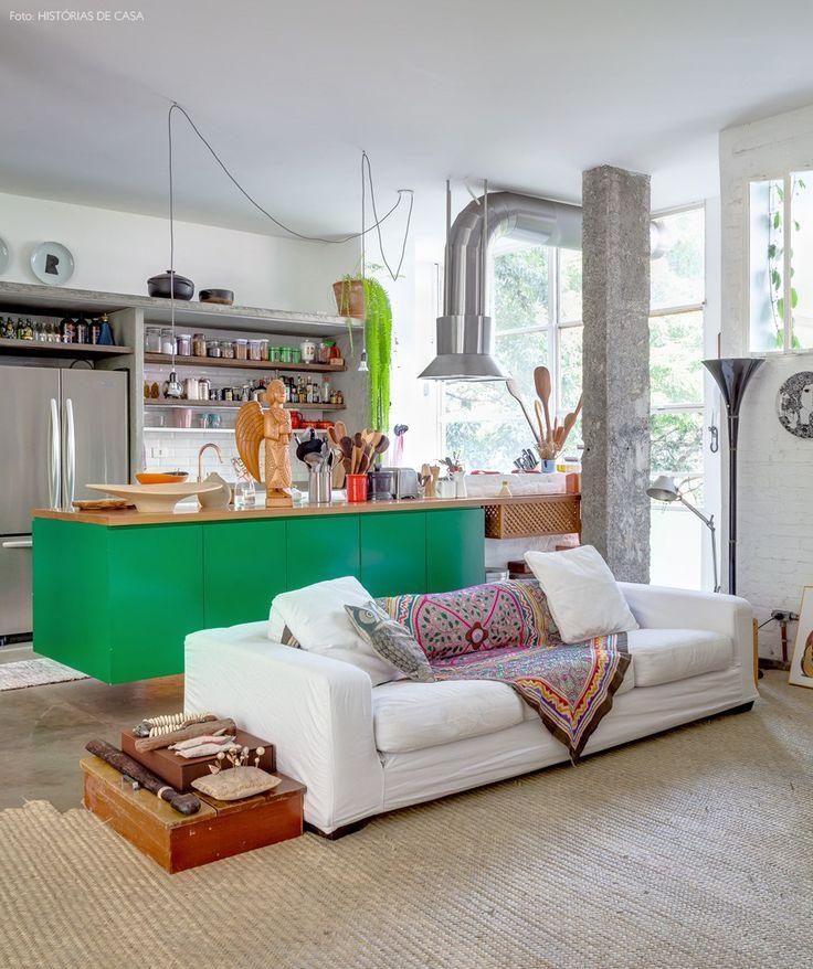 04-decoracao-apartamento-cozinha-integrada-verde-concreto-madeira