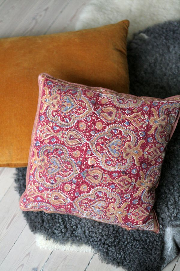 COLLECTIONS OF VINTAGE - Indian Cushion Cover - Liberty