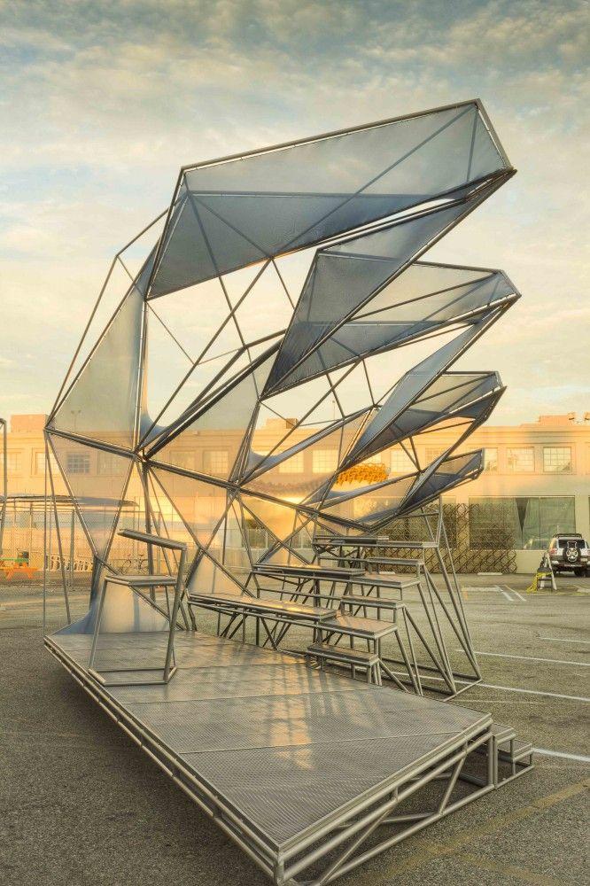 Centerstage: SCI-Arc Graduation Pavilion / Oyler Wu Collaborative