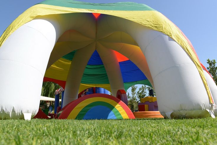 Inflatable kiosk with games