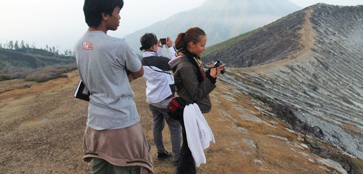 Capture the natural beauty of Ijen in your camera and take it home as great story.