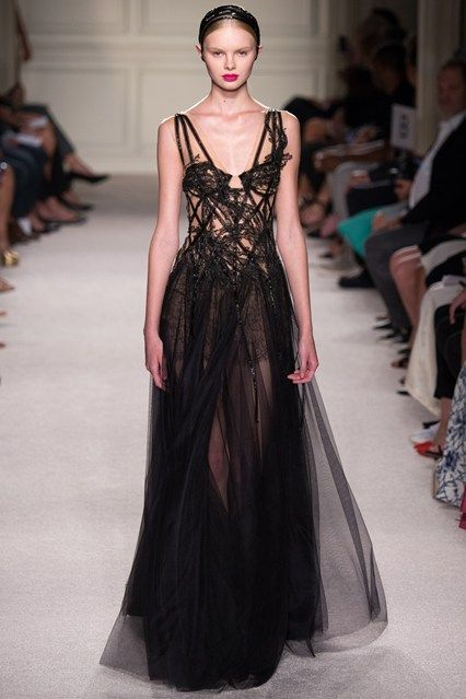 Catwalk photos and all the looks from Marchesa Spring/Summer 2016 Ready-To-Wear New York Fashion Week