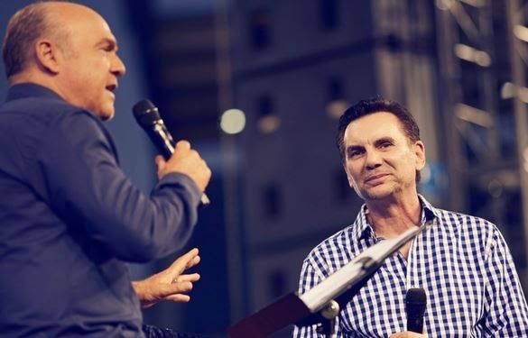 Pastor Greg Laurie Interviews Ex-Mob Boss, Says 'God Is a Big Eraser' | AT2W