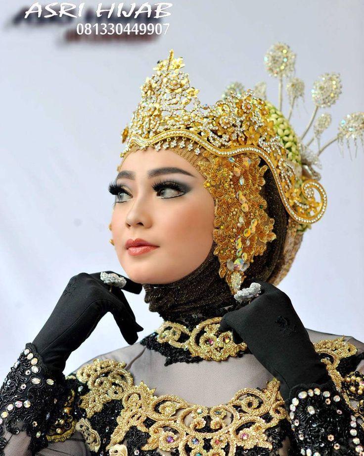 "258 Suka, 1 Komentar - ASRI HIJAB (@asri_hijab_wedding_organizer) di Instagram: ""ASRI HIJAB RIAS PENGANTIN KHUSUS HIJAB,  SPESIALIS MAKE UP NO CUKUR ALIS DGN PERIAS2 WANITA TULEN…"""