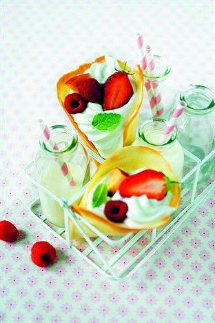 Cornets de fruits à la chantilly Livre : 1001 idées pour inviter sans stresser Larousse Cuisine
