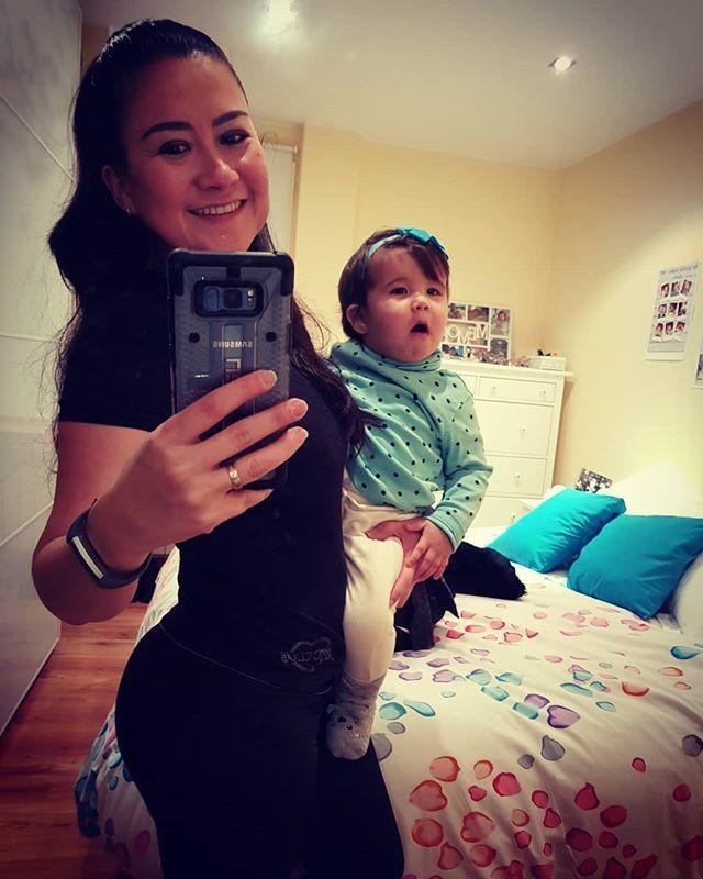 Esta foto no es muy buena!!!🙈 pero me gusta porque he vuelto al gym 💪 siii #mamafit 😂😂😂 18 meses 😲 si eso ha pasado del último día que fui ....Y no me justifico pero entre mi trabajo el embarazo los últimos dos meses que no me encontraba bien luego llegó #babydaniela y que sólo quería estar con ella 😍😍😍 por fin he decidido volver y he de decir que aumente 21kilos 😲😲😔😔😔 es una burradaaaaa pero ya casi estoy como antes me