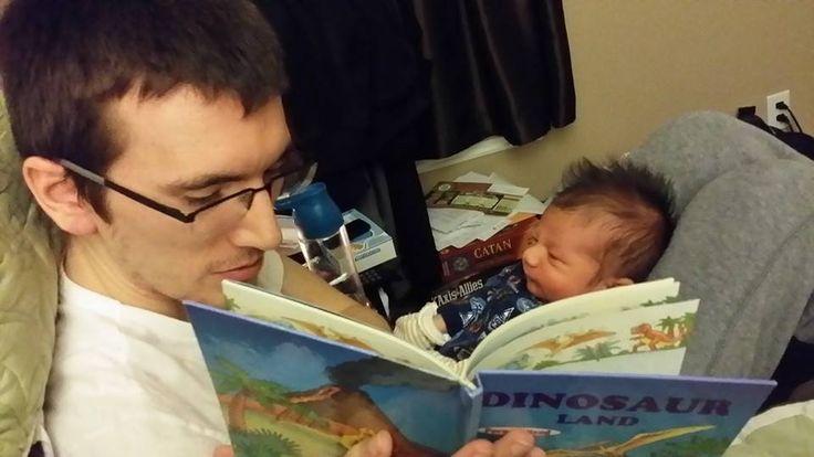 24 de febrero de 2014. Bebé que lee.http://traducarte.wordpress.com/gente-que-lee/24-de-febrero-de-2014-bebe-que-lee/