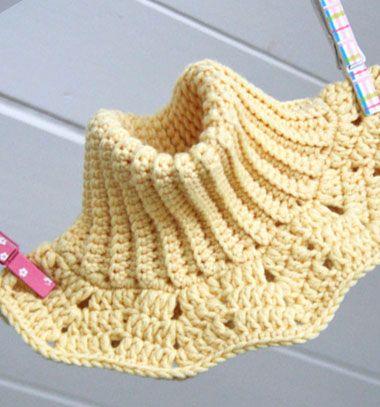Crochet infinity scarf - neck warmer for kids (free pattern) // Horgolt körsál gyerekeknek (ingyenes magyar horgolásminta) // Mindy - craft tutorial collection // #crafts #DIY #craftTutorial #tutorial #DIYClothesForKids