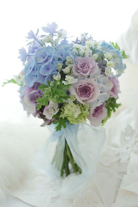 クラッチブーケ 初夏に シェ松尾松濤レストランさまへの画像:一会 ウエディングの花