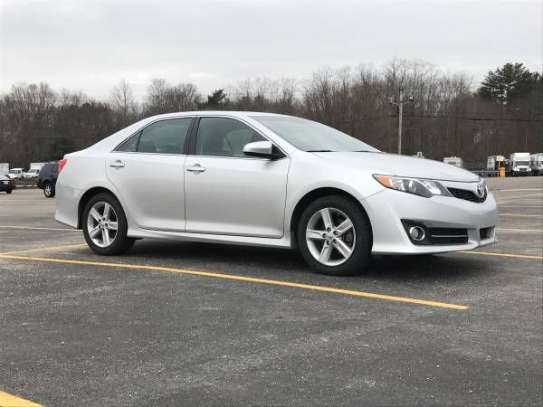 2014 Toyota Camry SE, Leather, Backup Camera, Remote Start, New tires