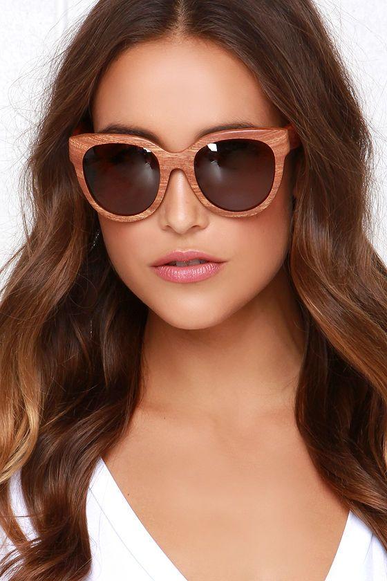 Woodzee Chloe Brown Pear Wood Sunglasses at Lulus.com!