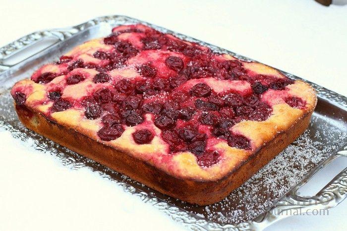 Зимовий вишневий пиріг
