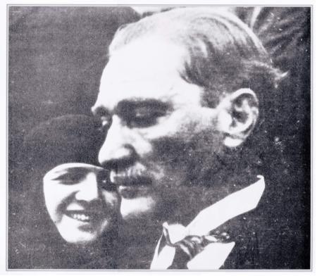 ✿ ❤ Atatürk, eşi Latife Hanım ile. Çok hoş bir fotoğraf.