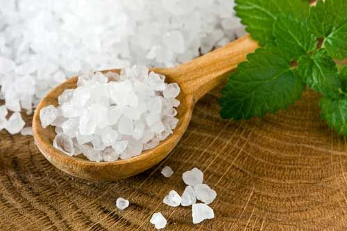 Read on and find out how sea salt differs from table salt, how each is made, and what the advantages and disadvantages of each are.