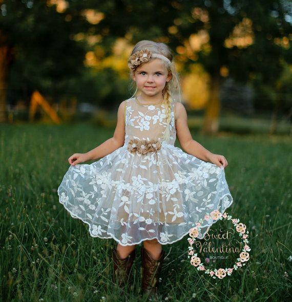 Girls dress lace flower girl dress girls lace par SweetValentina