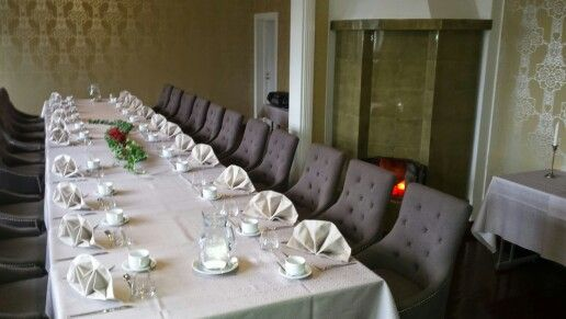 White table for 22 persons at Aapelin sali