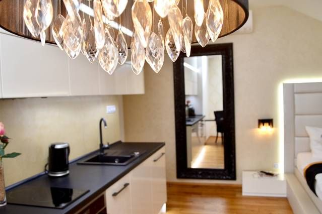 Luxury apartment by all Prague highlights (available on Airbnb)