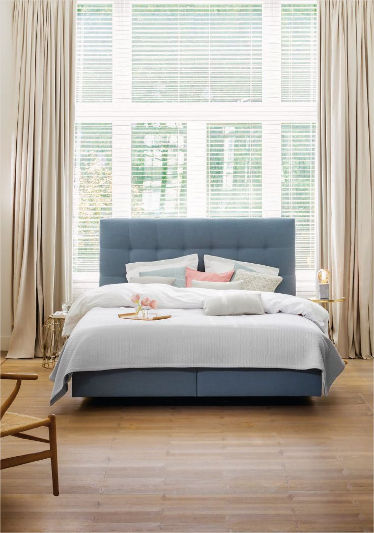 'The best of Beka®' brings a selection of the best boxspring combination and mattresses of Beka®. Compose your own bed according to your personal taste and sleeping needs. Box Pocket fix - with headboard Couture in fabric Nature Blue. #beka #bed #boxspring