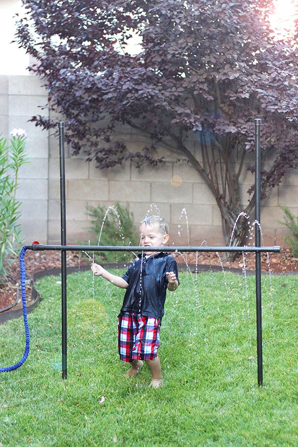 Check out this fun DIY-- Kids' Sprinkler Limbo Made from PVC Pipe.