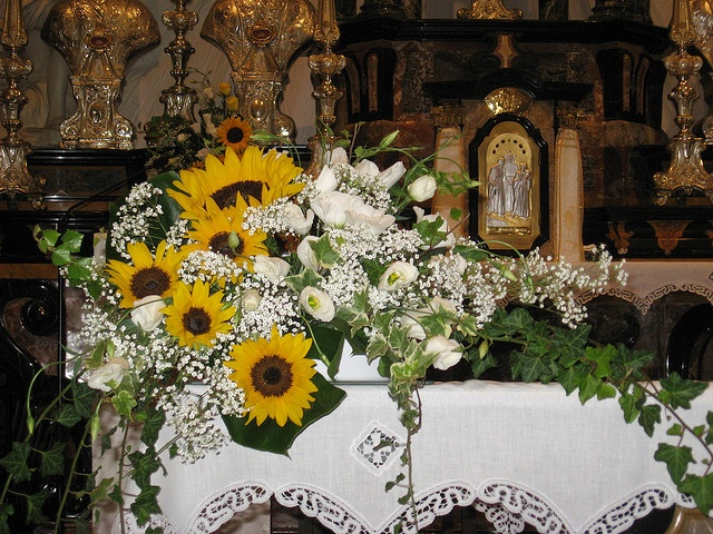 Guestbook Matrimonio Girasoli : Fiori in chiesa per matrimonio addobbi pinterest