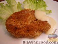 Фото к рецепту: Картофельные котлеты с брынзой и сырным соусом