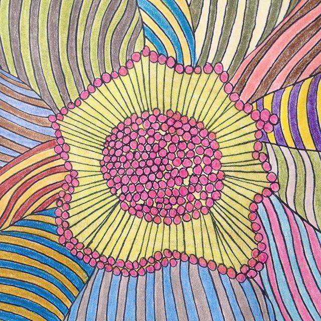 #geometric#geometry#patterns#muster#coloring#drawing#ausmalen#mindfulnesscolouringbook#emmafarrarons#meditation#mindfulness#happiness#achtsamkeit#joy#freude#adultcoloringbook#achtsamkeitsmalbuch#art#artwork#kunst#illustration#zeichnung#achtsamkeitsmalbuch#happinez#mindstylemagazine#erwachsenenmalbuch#coloredpencil#pastell#pastel#flower#blume