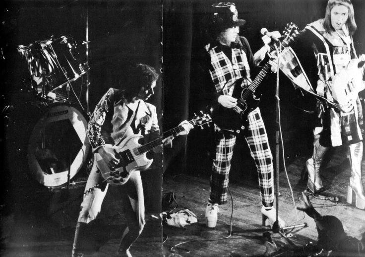Slade on stege #70s #KeepOnRockin'