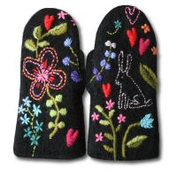 gorgeous mittens (and wool, yarns, kits etc.) from Finland