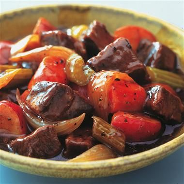 Slow Cookers Hearty Beef StewCooker Hearty, Slow Cooker Chicken, Cabbages Soup, Beef Stews, Hearty Beef, Slow Cooker Beef, Stew Recipe, Crock Pots Beef, Comforters Food