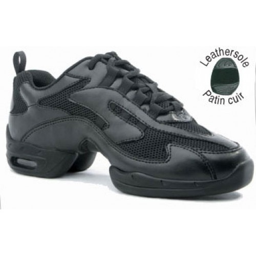 """Sansha Zoom  - This sneaker's keyword """"Speed and Power"""" Leather and mesh upper.  - P904M : Leather sole  - Width : M  Price: 55.00€"""