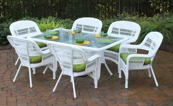 how to clean plastic wicker patio furniture