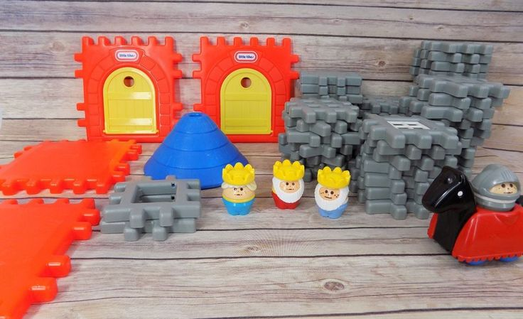 Vintage Little Tikes Tykes Waffle Blocks Castle Set 64 Pc Play set Kings Knight #LittleTikes